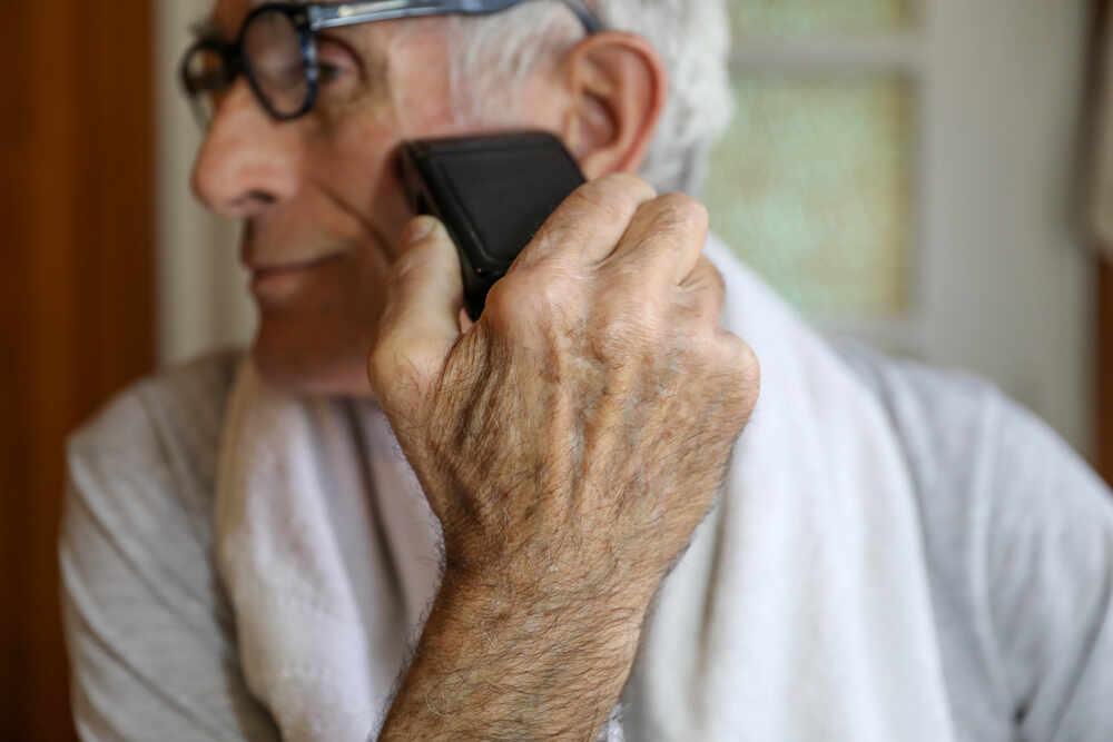 Quale rasoio elettrico per un uomo anziano?