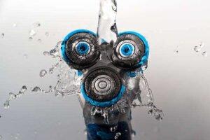 Come pulire il rasoio elettrico : la guida per pulirlo e disinfettarlo